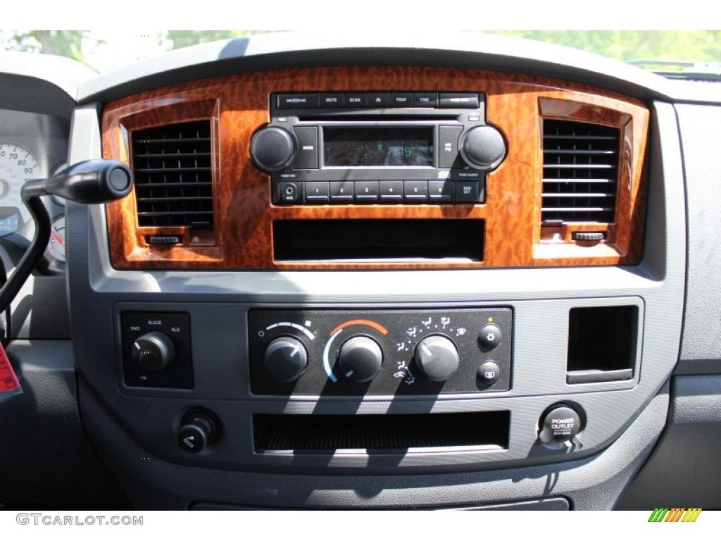 2006 Ram 1500 SLT Quad Cab 4x4 - Patriot Blue Pearl / Medium Slate Gray photo #4