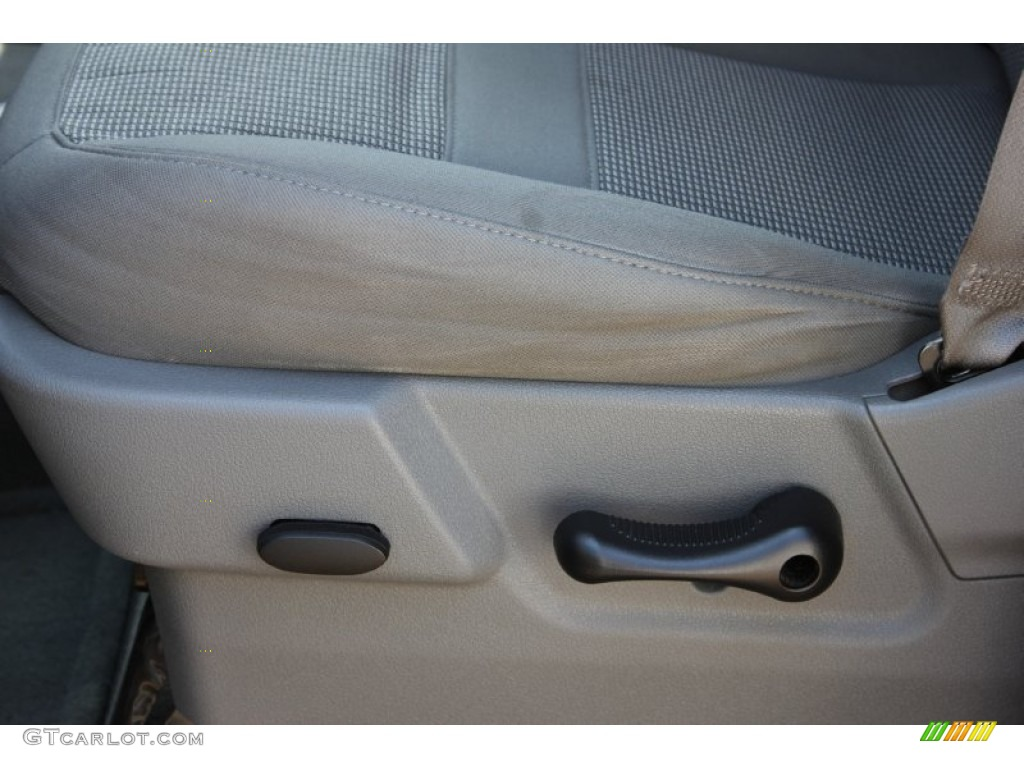 2006 Ram 1500 SLT Quad Cab 4x4 - Patriot Blue Pearl / Medium Slate Gray photo #8