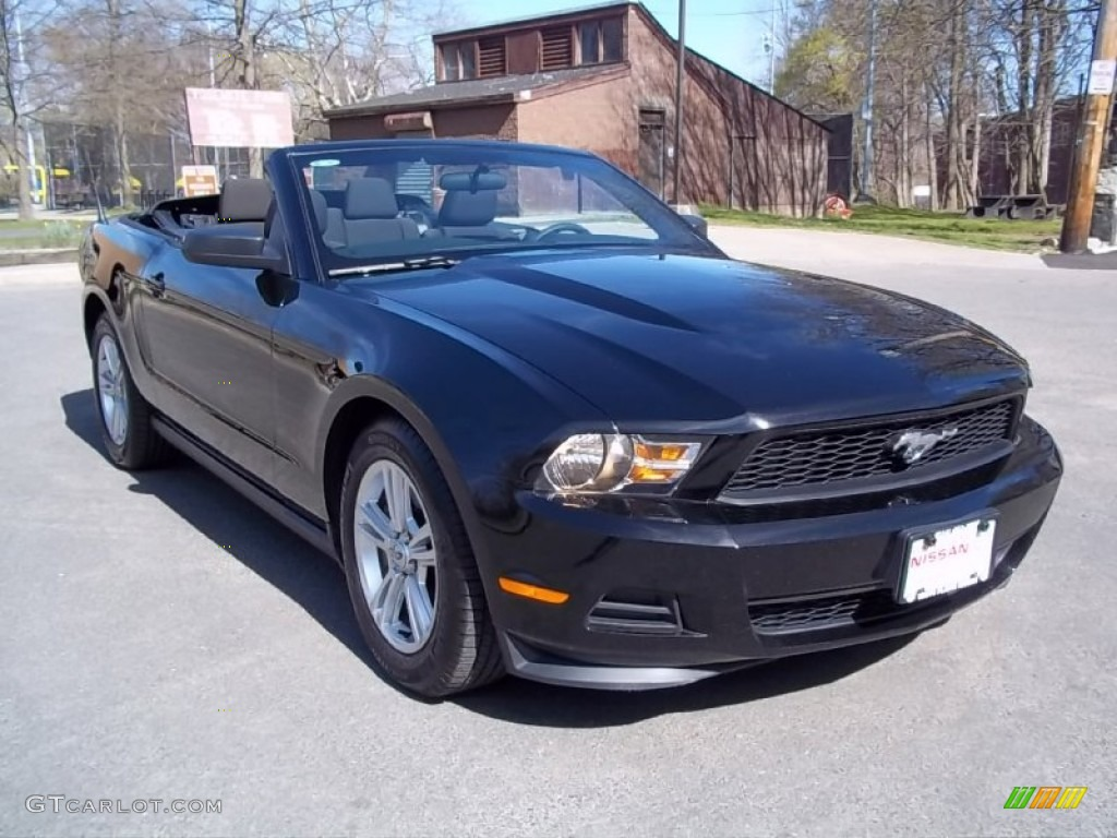 Ford mustang 2012 black