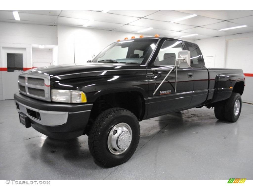Black 1997 dodge ram 3500 laramie extended cab 4x4 dually exterior photo 65296136