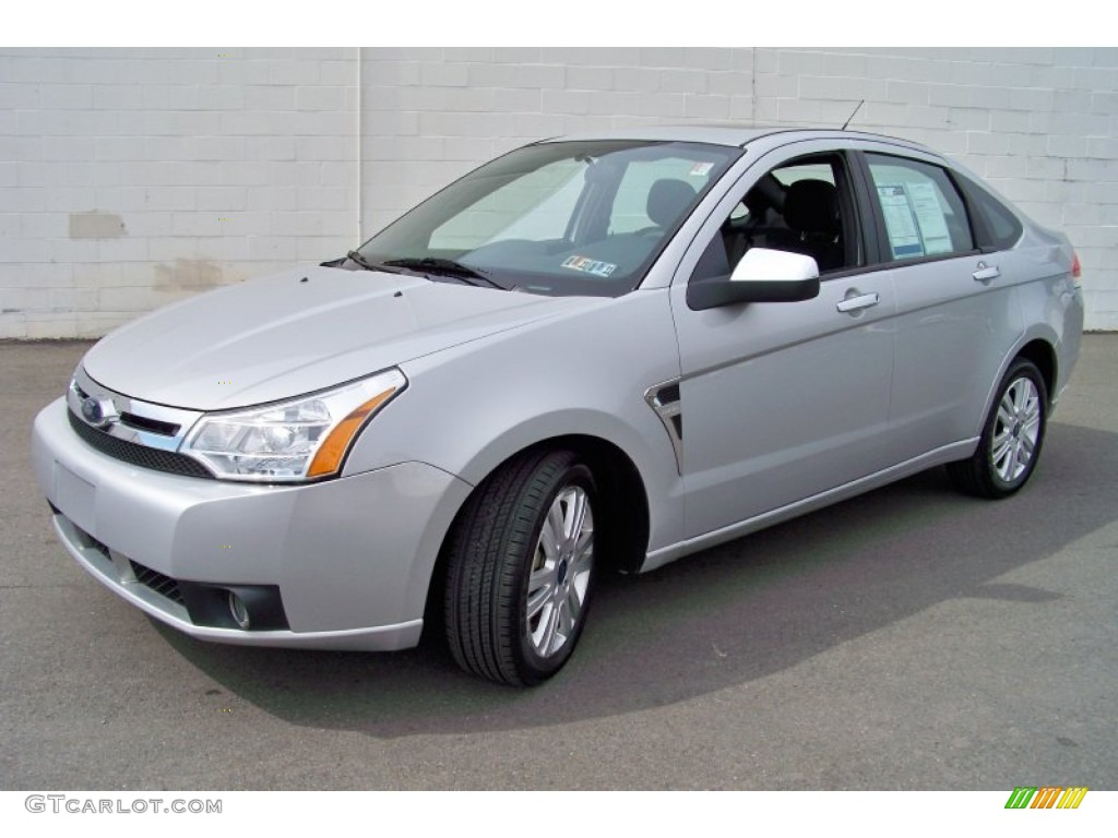 silver frost metallic 2008 ford focus se sedan exterior photo 65318711. Black Bedroom Furniture Sets. Home Design Ideas