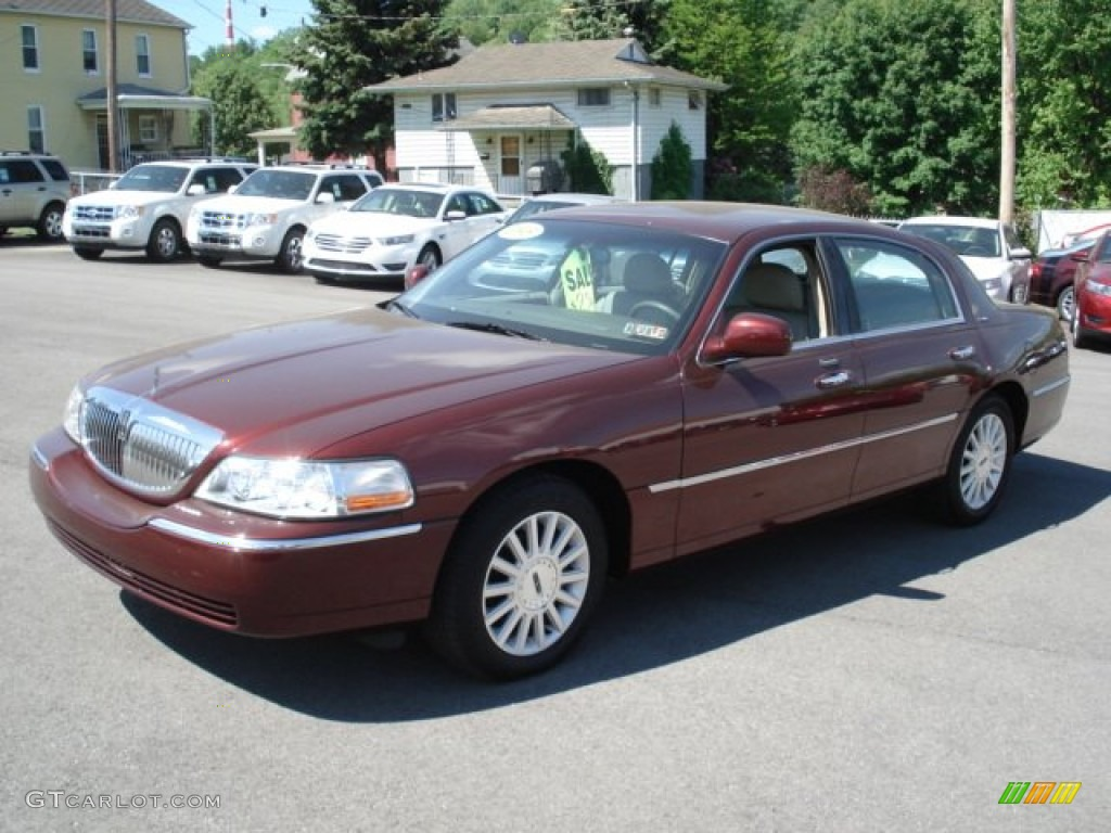 Autumn Red Metallic 2003 Lincoln Town Car Executive Exterior Photo 65457904 Gtcarlot Com
