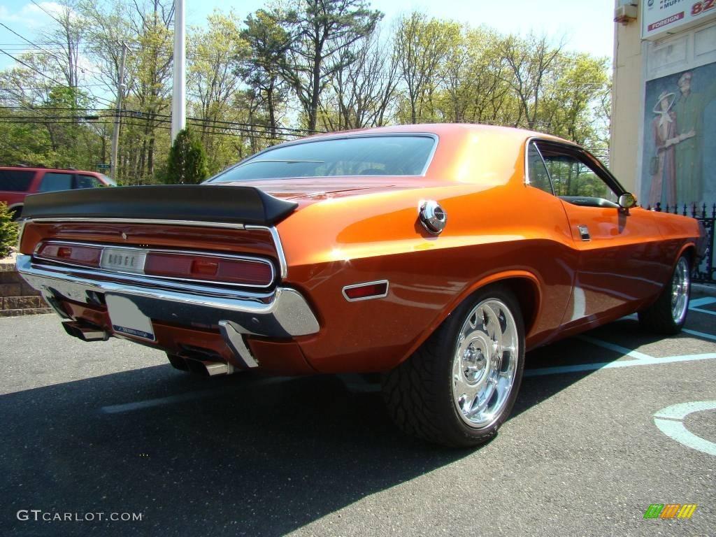 Colour car metallic - 1970 Challenger 2 Door Hardtop Copper Orange Metallic Black Photo 6