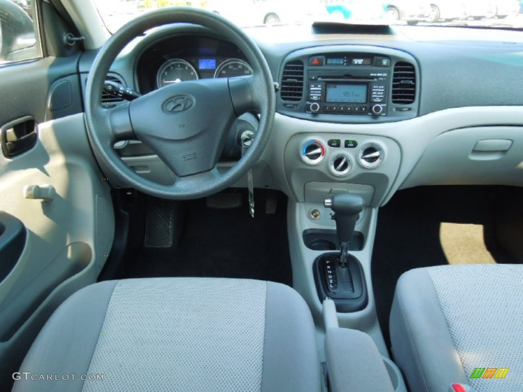 2010 Hyundai Accent GLS 4 Door Gray Dashboard Photo