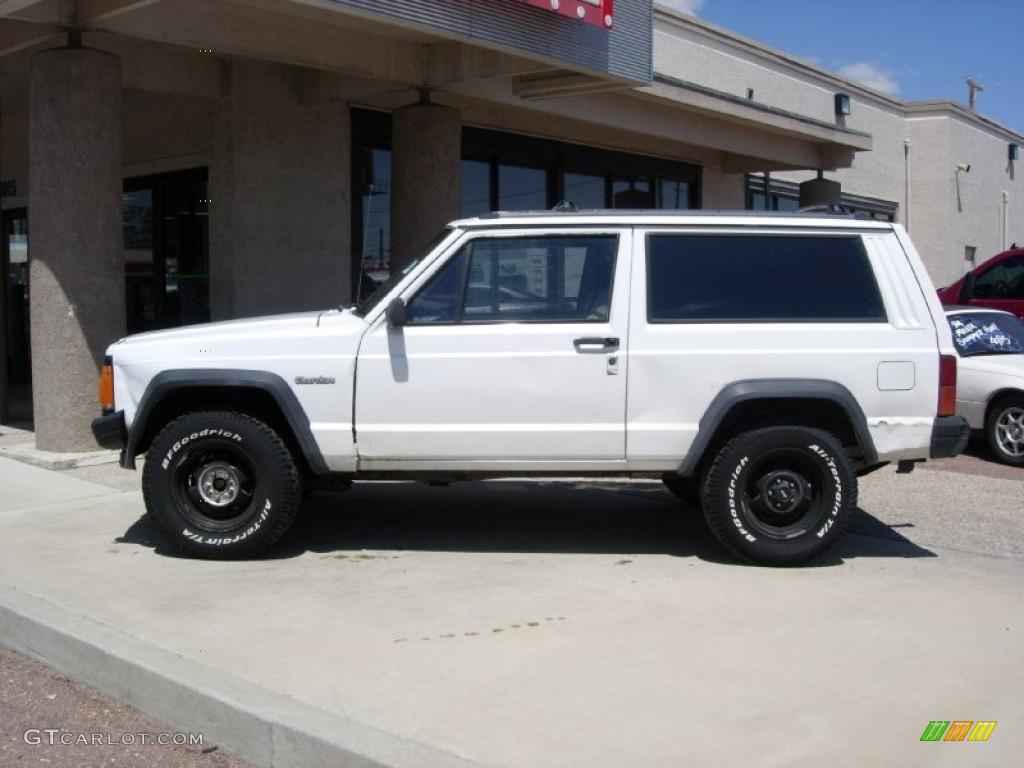 1994 Cherokee Sport 4x4   Off White / Gray Photo #2