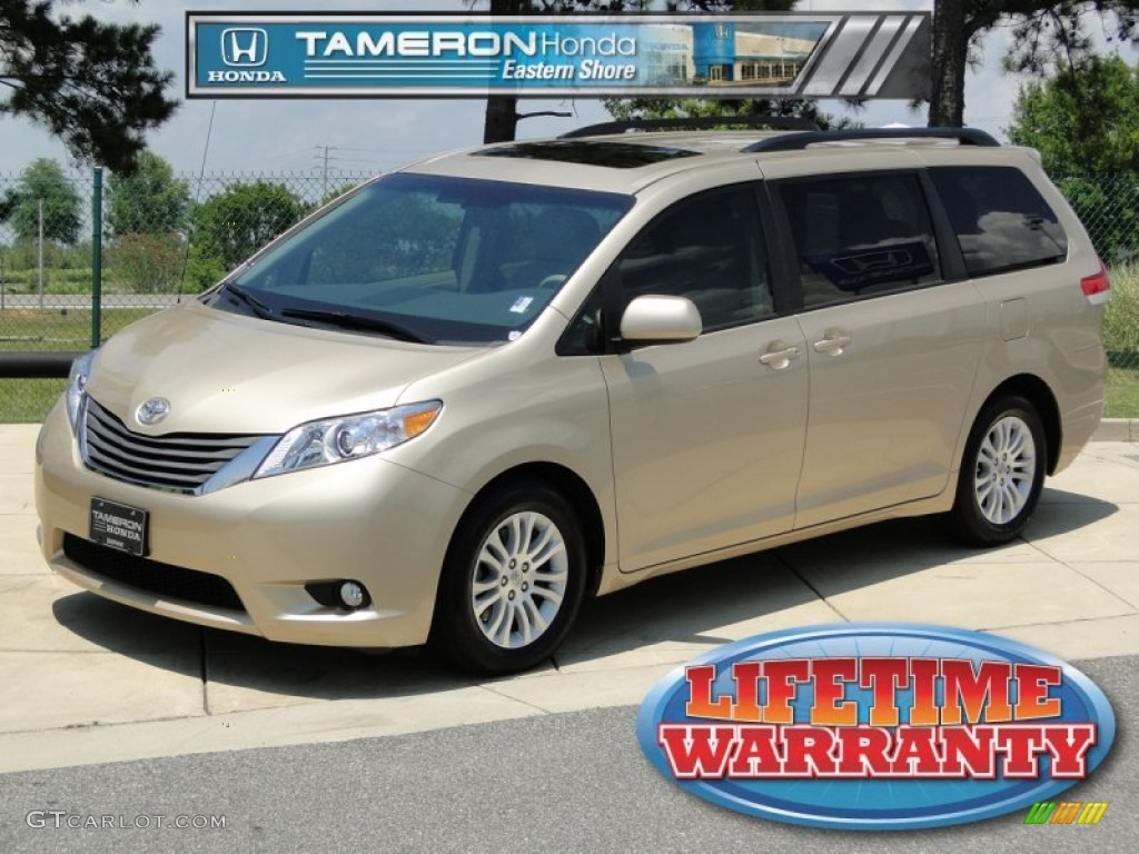 Sandy Beach Metallic Toyota Sienna