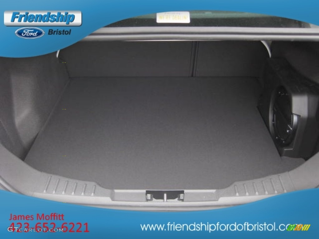 2012 Focus SEL Sedan - White Platinum Tricoat Metallic / Charcoal Black Leather photo #12