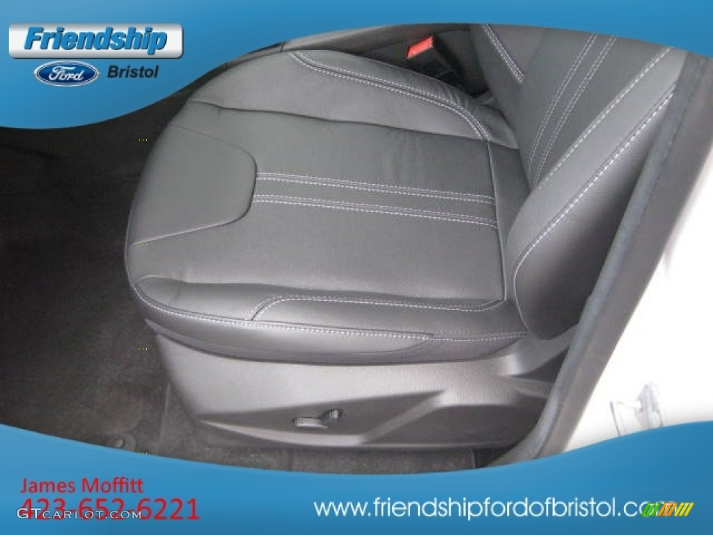 2012 Focus SEL Sedan - White Platinum Tricoat Metallic / Charcoal Black Leather photo #15