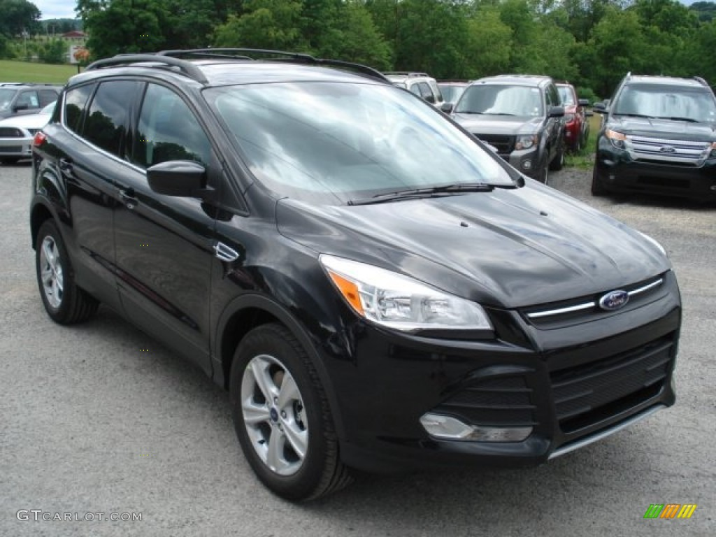 tuxedo black metallic 2013 ford escape se 2 0l ecoboost 4wd exterior photo 66146567. Black Bedroom Furniture Sets. Home Design Ideas