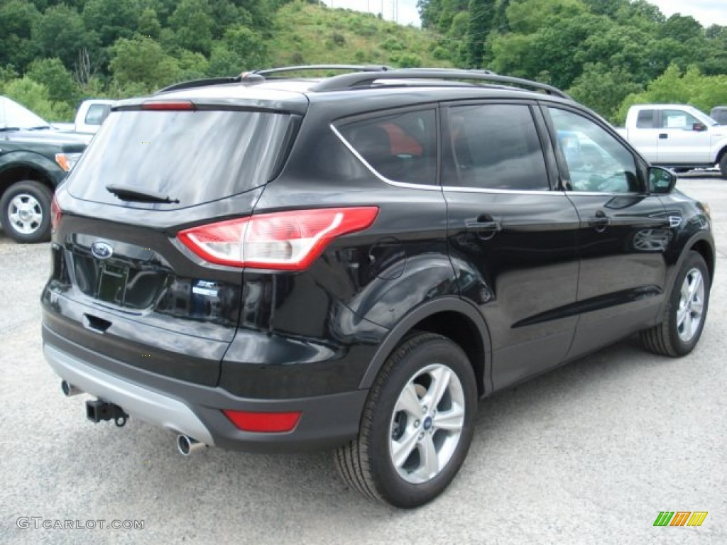 tuxedo black metallic 2013 ford escape se 2 0l ecoboost 4wd exterior photo 66146623. Black Bedroom Furniture Sets. Home Design Ideas