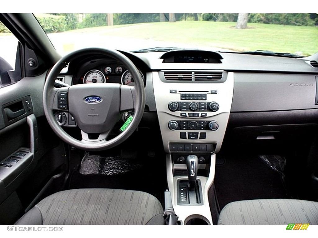 2010 Ford Focus Se Sedan Charcoal Black Dashboard Photo