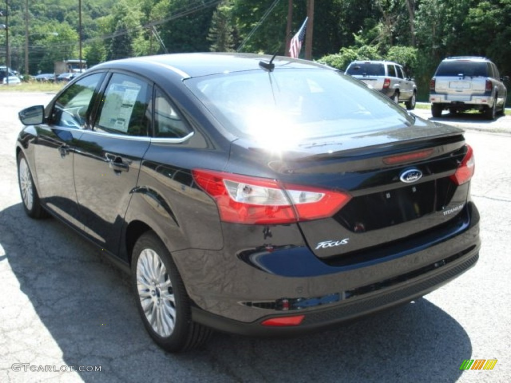 2012 Focus Titanium Sedan - Tuxedo Black Metallic / Charcoal Black Leather photo #6