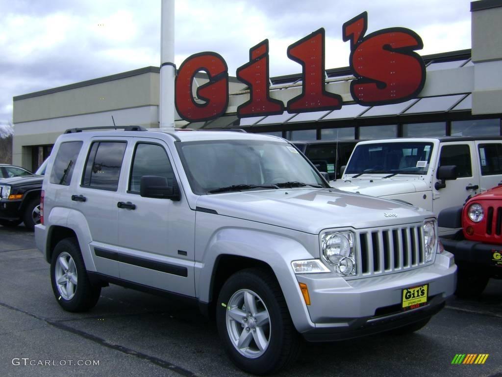 2009 bright silver metallic jeep liberty rocky mountain edition