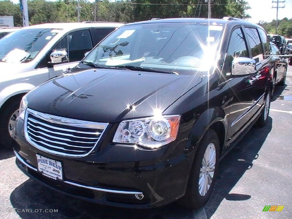 2012 brilliant black crystal pearl chrysler town country limited 66337381. Black Bedroom Furniture Sets. Home Design Ideas