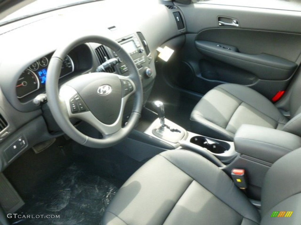 Black Interior 2012 Hyundai Elantra Se Touring Photo