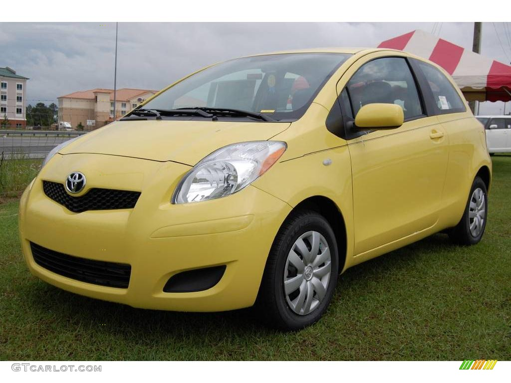 2009 yellow jolt toyota yaris 3 door liftback 6646937 car color galleries. Black Bedroom Furniture Sets. Home Design Ideas