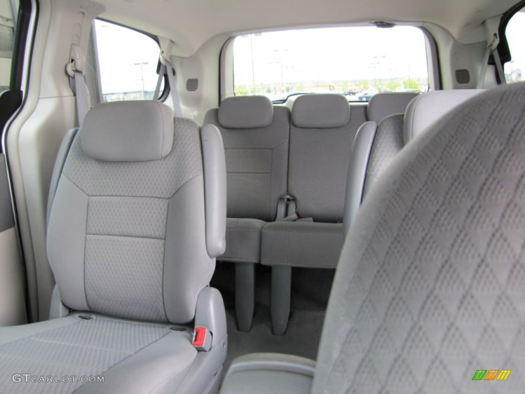 2008 chrysler town and country interior