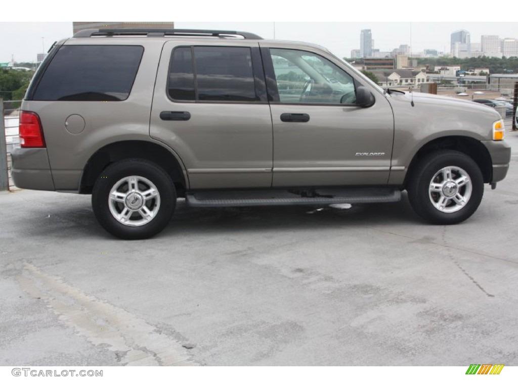 Mineral Grey Metallic 2004 Ford Explorer Xlt Exterior Photo 66567645