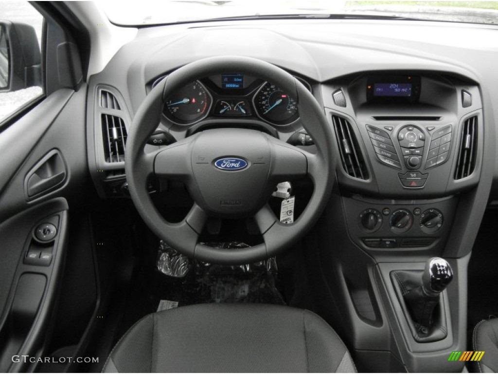 2012 Ford Focus S Sedan Dashboard Photos | GTCarLot.com