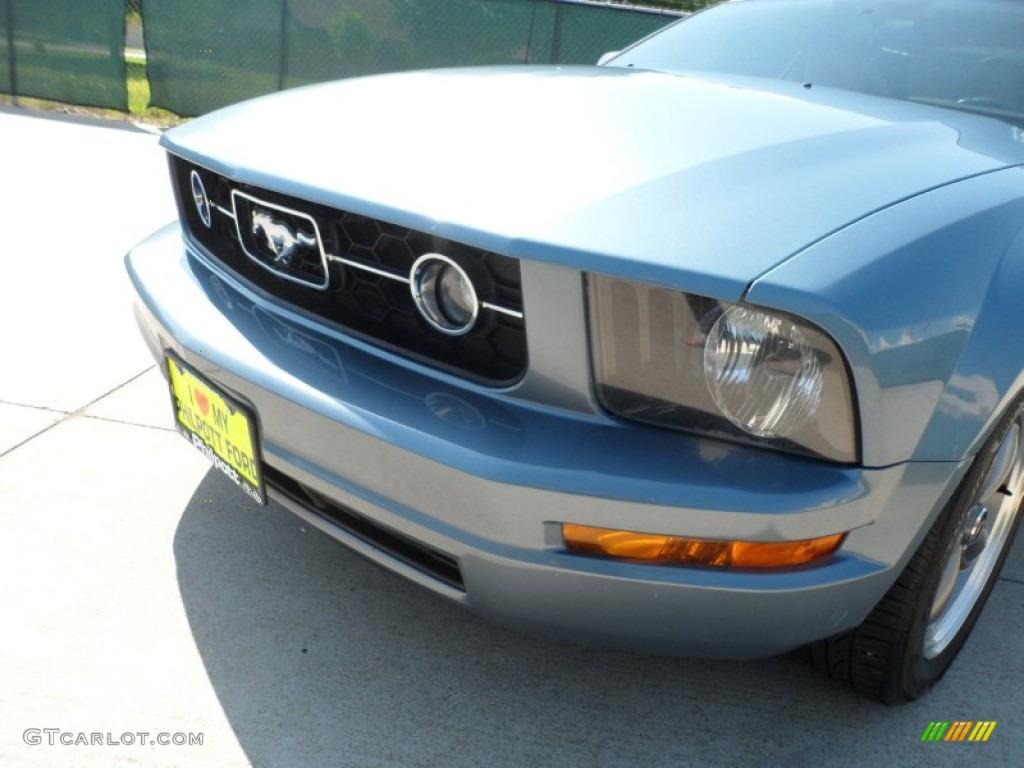2006 Mustang V6 Premium Coupe - Windveil Blue Metallic / Light Parchment photo #11
