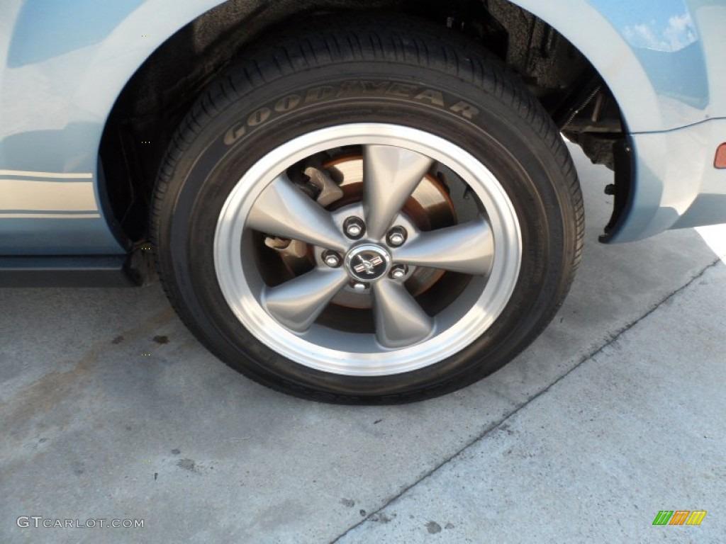 2006 Mustang V6 Premium Coupe - Windveil Blue Metallic / Light Parchment photo #13