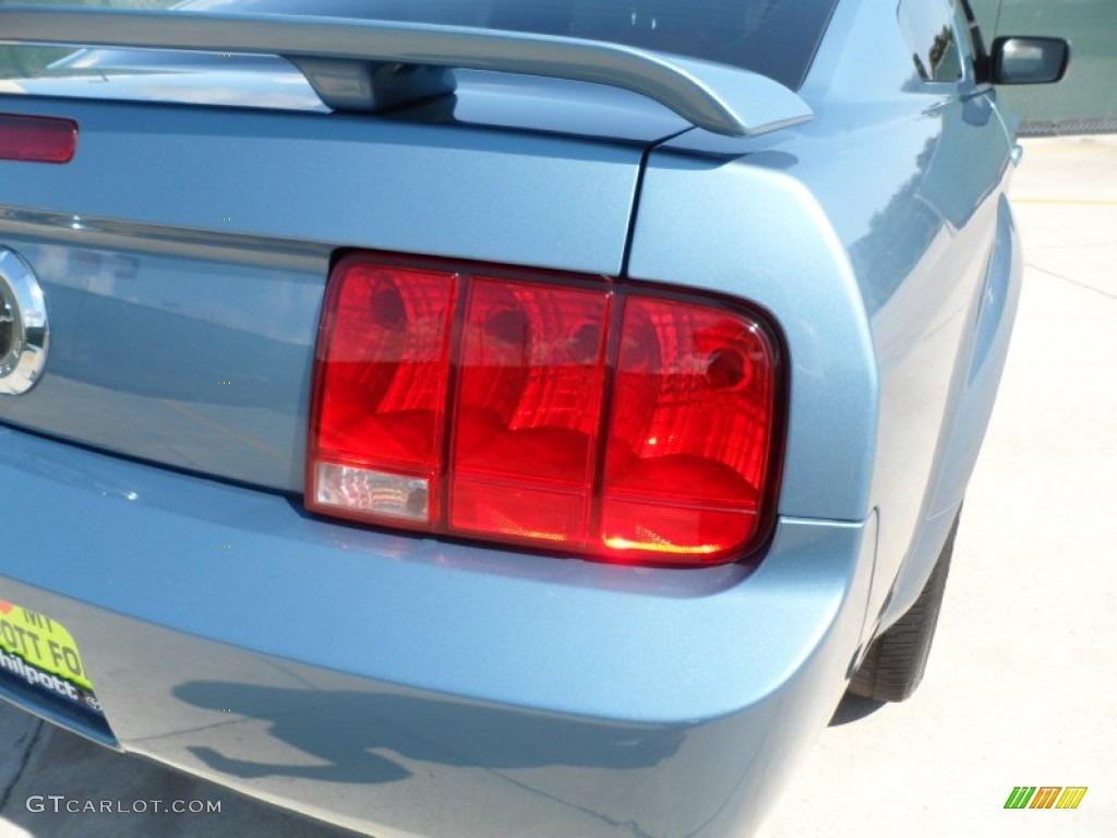 2006 Mustang V6 Premium Coupe - Windveil Blue Metallic / Light Parchment photo #19