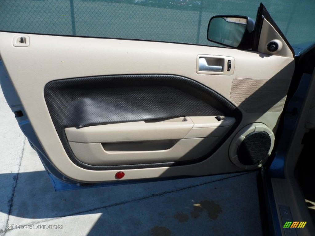 2006 Mustang V6 Premium Coupe - Windveil Blue Metallic / Light Parchment photo #30