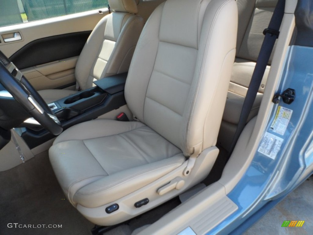 2006 Mustang V6 Premium Coupe - Windveil Blue Metallic / Light Parchment photo #33