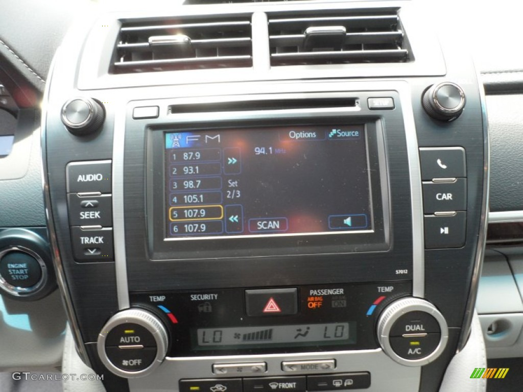 2012 toyota camry xle audio system photos. Black Bedroom Furniture Sets. Home Design Ideas