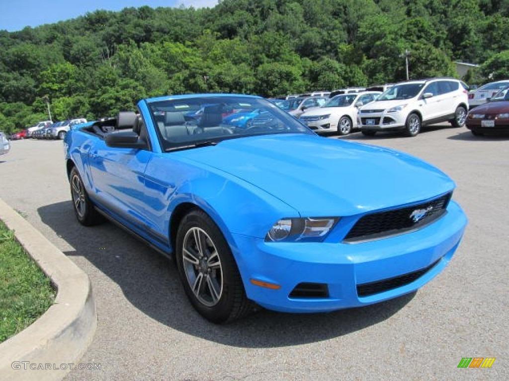 grabber blue 2012 ford mustang v6 premium convertible. Black Bedroom Furniture Sets. Home Design Ideas