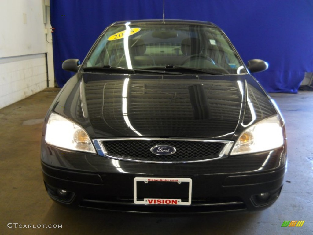 2005 Focus ZX4 SES Sedan - Pitch Black / Dark Flint/Light Flint photo #10