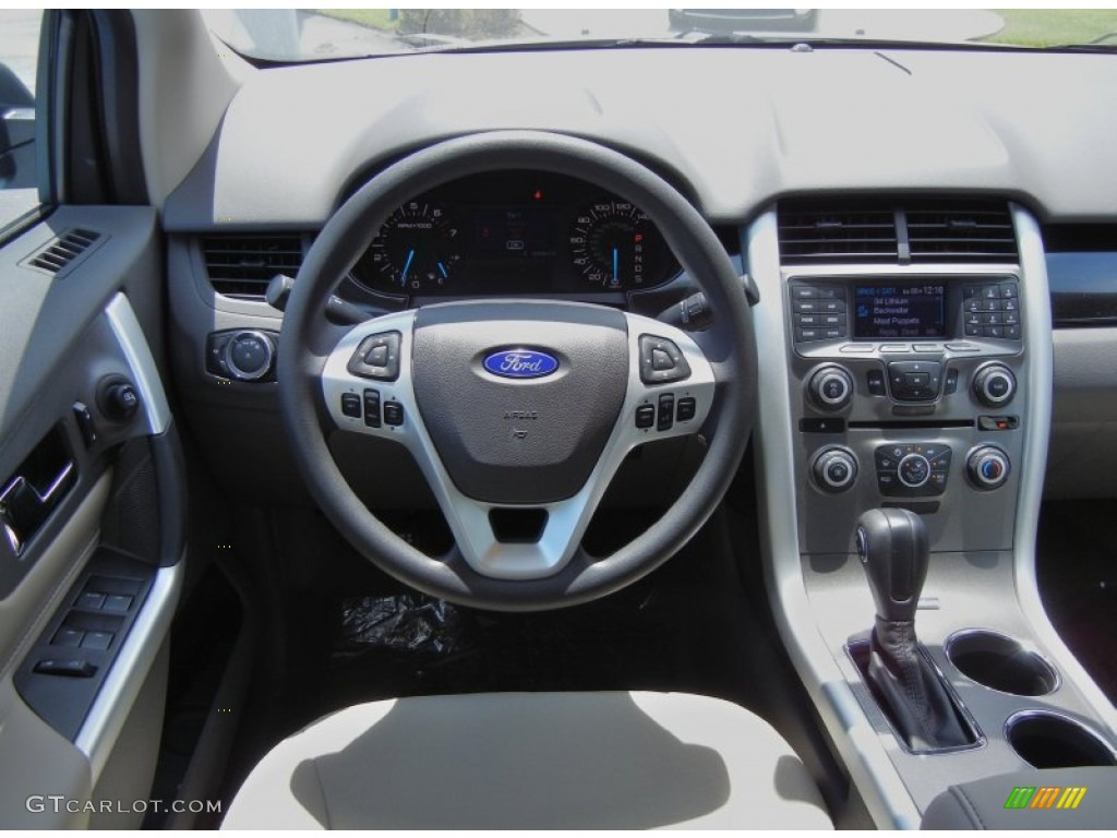 Ford Edge Se Medium Light Stone Dashboard Photo