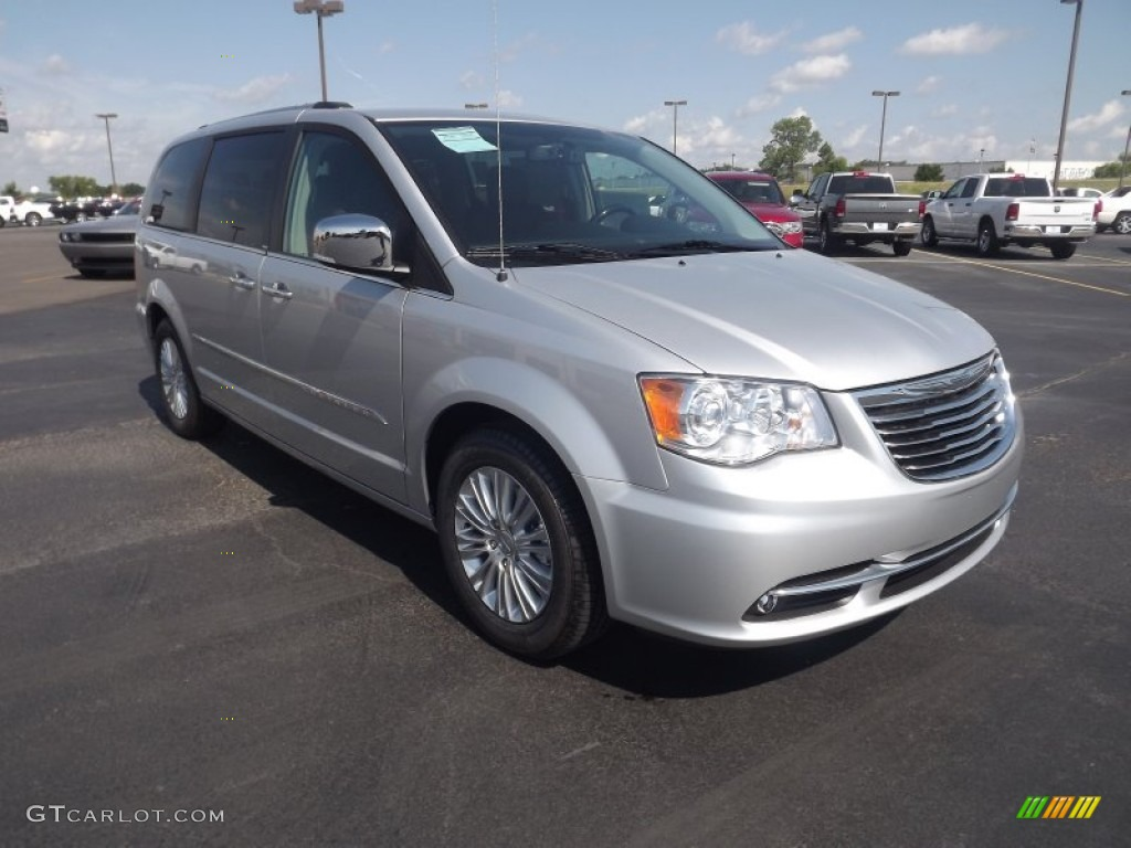 bright silver metallic 2012 chrysler town country limited exterior photo 66923345. Black Bedroom Furniture Sets. Home Design Ideas