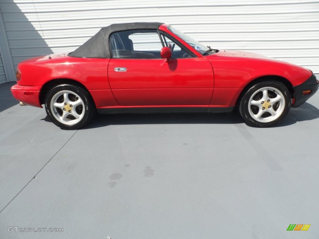 classic red 1995 mazda mx 5 miata roadster exterior photo 66934111. Black Bedroom Furniture Sets. Home Design Ideas