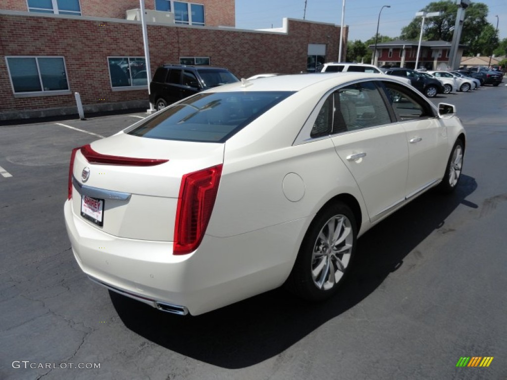 white diamond tricoat 2013 cadillac xts premium awd exterior photo 66966418