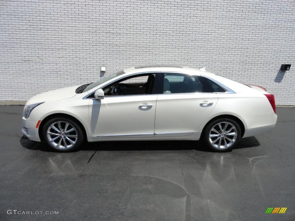 White Diamond Tricoat 2013 Cadillac Xts Premium Awd Exterior Photo 66966442