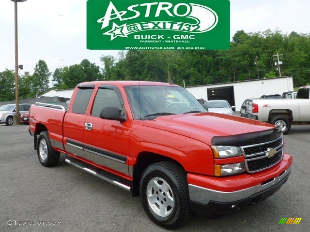 2006 Silverado 1500 LT Extended Cab 4x4 - Victory Red / Dark Charcoal photo #1