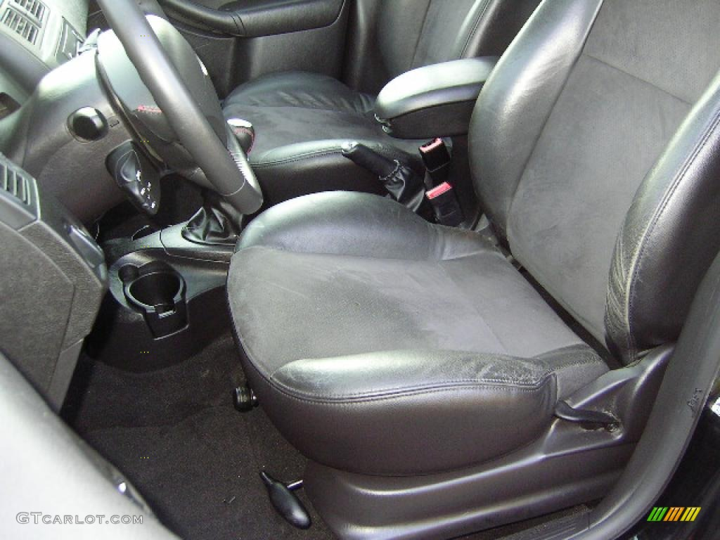 2005 Focus ZX4 ST Sedan - Pitch Black / Charcoal/Charcoal photo #27
