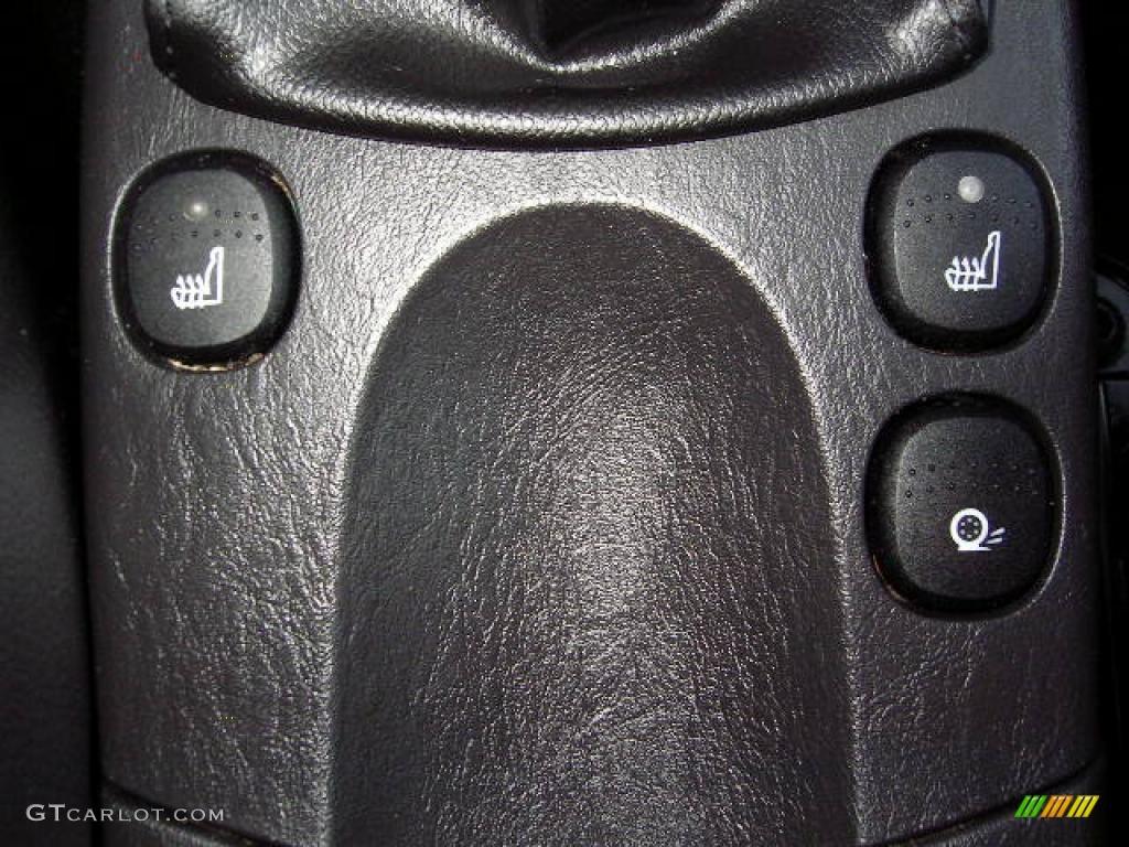 2005 Focus ZX4 ST Sedan - Pitch Black / Charcoal/Charcoal photo #33