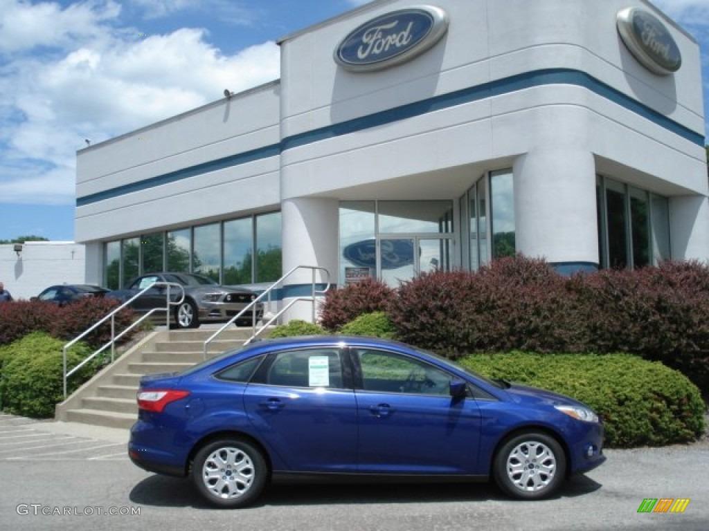 2012 Focus SE Sedan - Sonic Blue Metallic / Charcoal Black photo #1