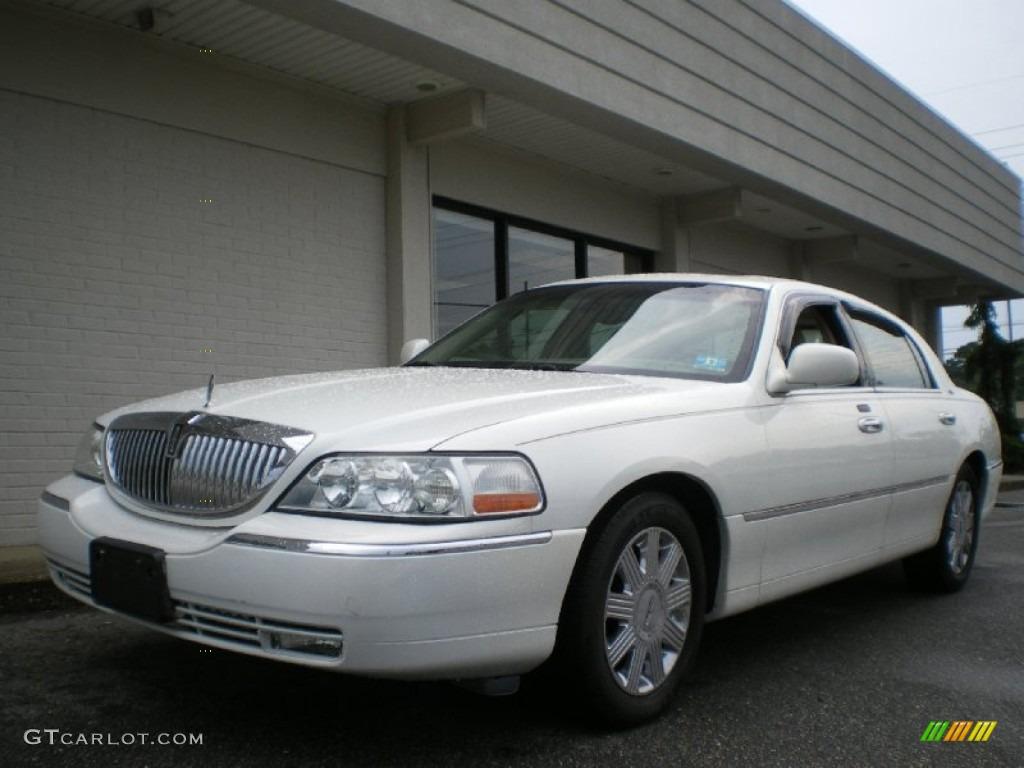 2003 White Pearl Lincoln Town Car Cartier 67012456 Gtcarlot Com