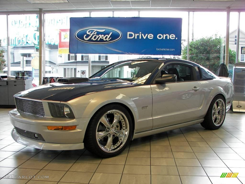 Vista blue metallic ford mustang ford mustang gt premium coupe regency glassback