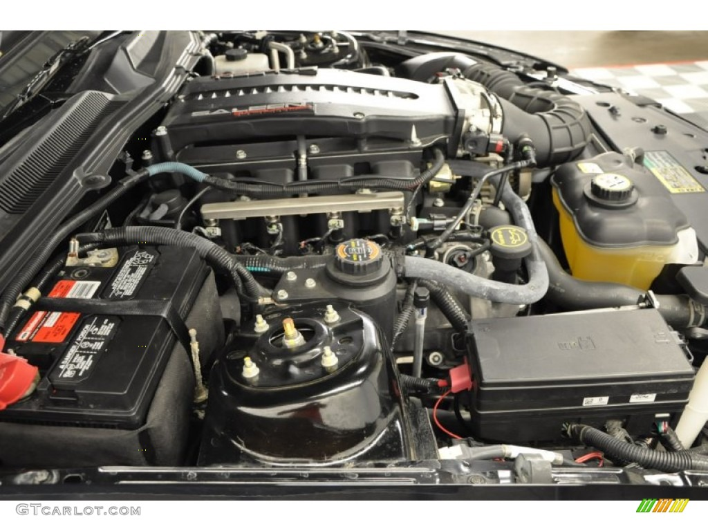 2006 Ford Mustang Saleen S281 Supercharged Coupe Engine