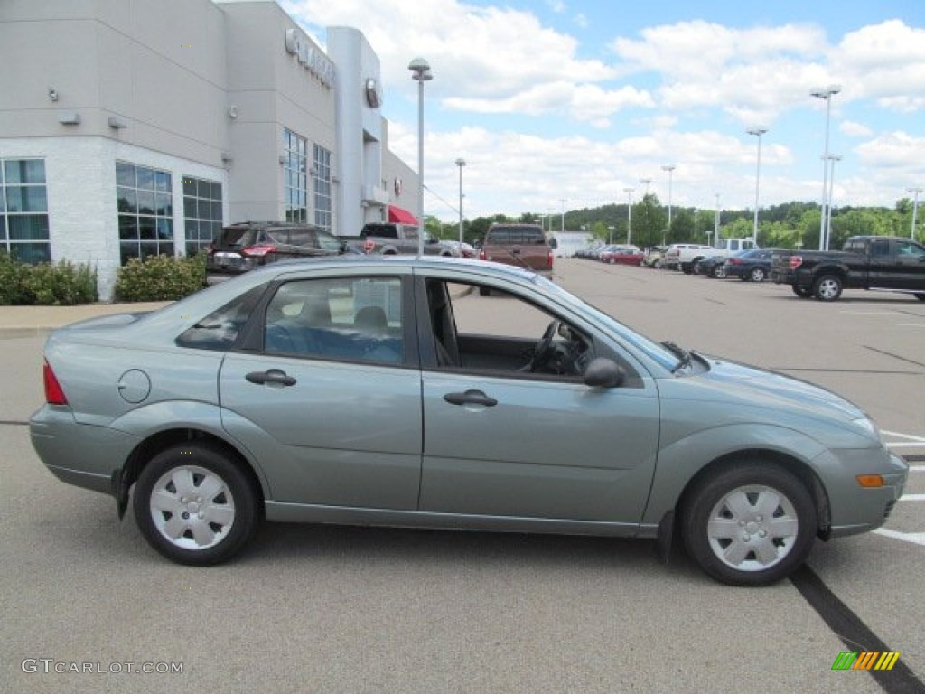 light tundra metallic 2006 ford focus zx4 se sedan. Black Bedroom Furniture Sets. Home Design Ideas