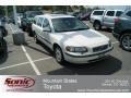 2001 White Volvo V70 2.4 #67146882