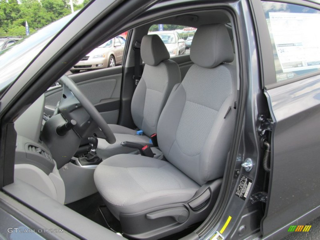 2013 hyundai accent gls 4 door interior photo 67191656. Black Bedroom Furniture Sets. Home Design Ideas