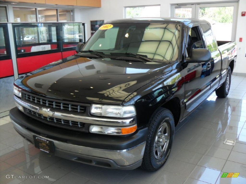 2002 Silverado 1500 Extended Cab - Onyx Black / Graphite Gray photo #1