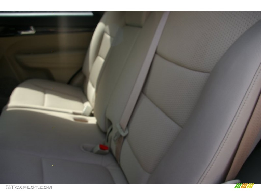 2011 Sorento LX V6 AWD - Spicy Red / Beige photo #4