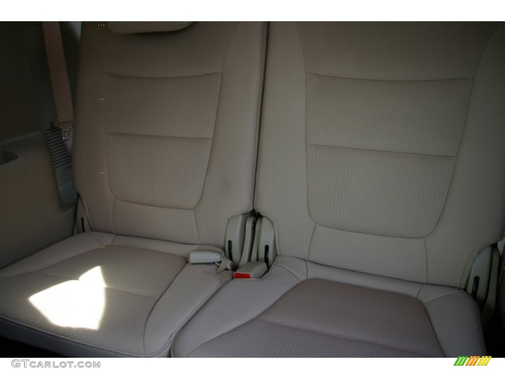 2011 Sorento LX V6 AWD - Spicy Red / Beige photo #5