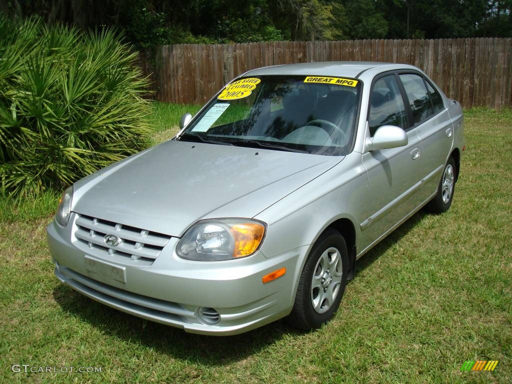 2005 silver mist hyundai accent gls sedan 545879. Black Bedroom Furniture Sets. Home Design Ideas